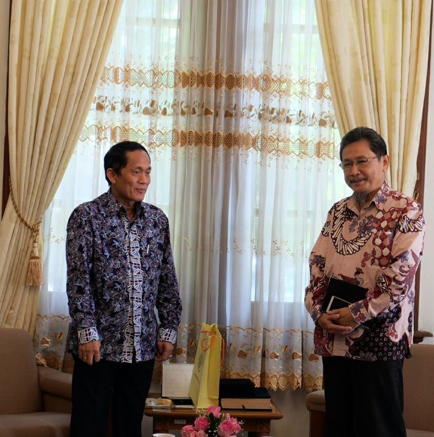 Kunjungan Rektor UTama ke Institut Teknologi Bandung (ITB)