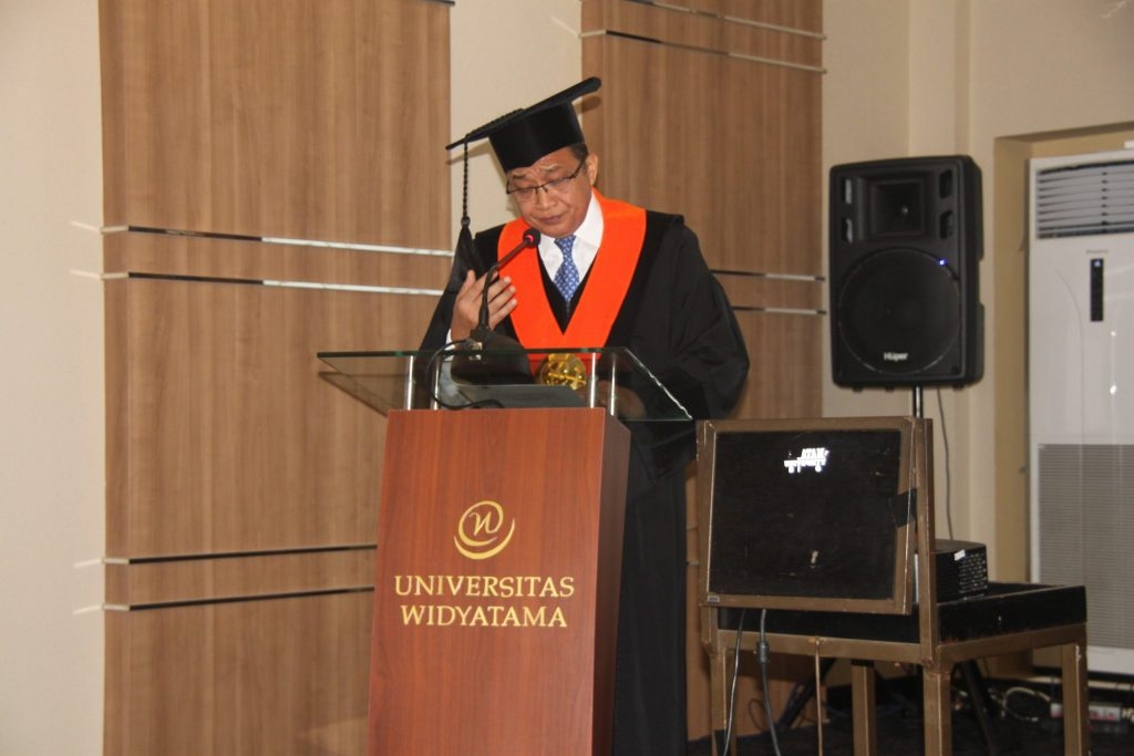 IMG 5568 1024x683 - 13 Mahasiswa Program Double Degree NPIC Kamboja Ikuti Prosesi Wisuda di Universitas Widyatama