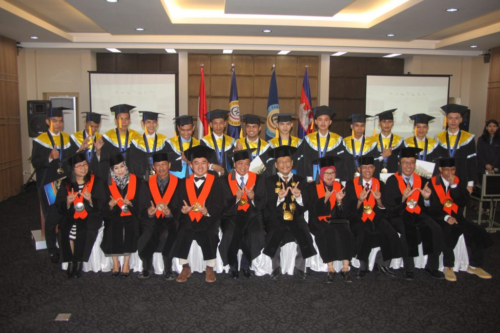 Mahasiswa Program Double Degree NPIC Kamboja