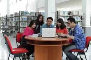 fasilitas dan sarana teknologi informasi dan internet di universitas widyatama