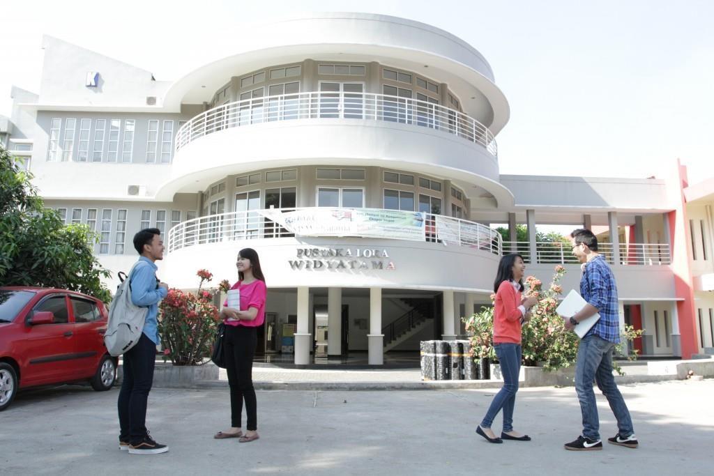 Fakultas Ekonomi Universitas Widyatama Bersiap Menyambut Revolusi Industri