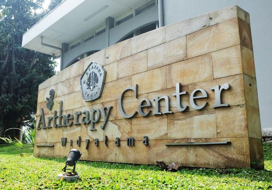 """Art Therapy Center Universitas Widyatama """"Pendidikan Yang Mencerahkan"""""""