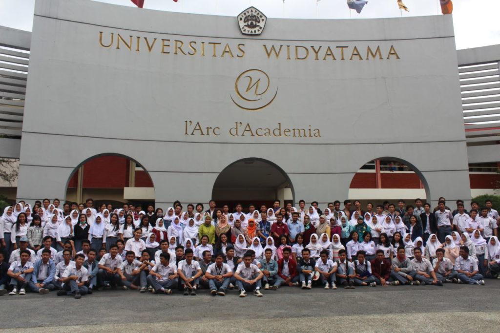 Visitasi SMAN 27 Bandung ke Widyatama