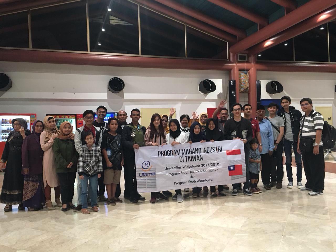 Kloter 2 - Widyatama大学的20多名学生在台湾参加了留学和实习计划
