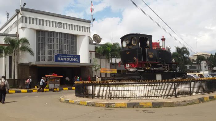 stasiun bandung - Transportation in Bandung