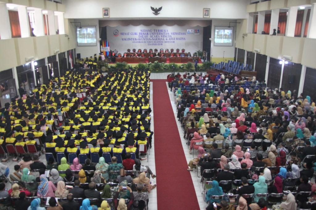 IMG 1693 1024x682 - President Multimedia University Malaysia Attends Widyatama University Graduation Ceremony