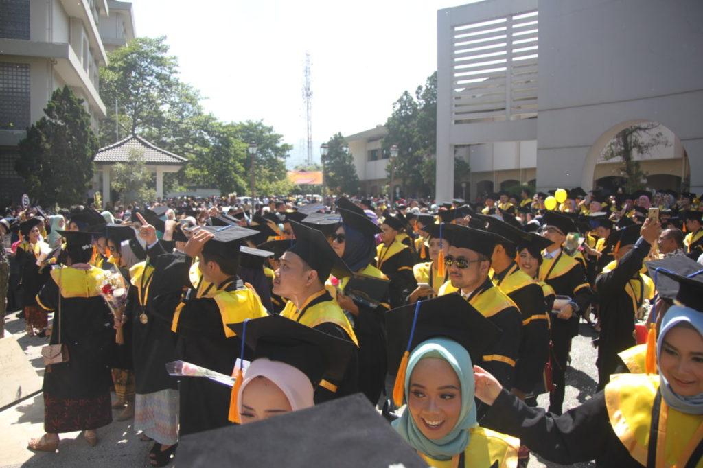 IMG 1891 1024x682 - President Multimedia University Malaysia Attends Widyatama University Graduation Ceremony