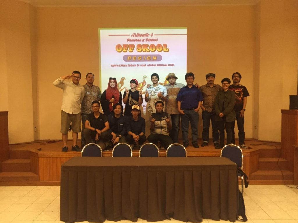 WhatsApp Image 2018 05 25 at 14.25.06 1024x768 - Pameran Kolaborasi Karya Mahasiswa dan Sharing Pengalaman Alumni Fakultas DKV Widyatama