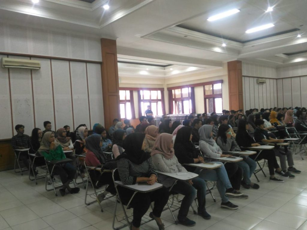 1882 1024x768 - Fakultas Ekonomi Widyatama Selenggarakan Sharing & Counseling Accounting Is Fun