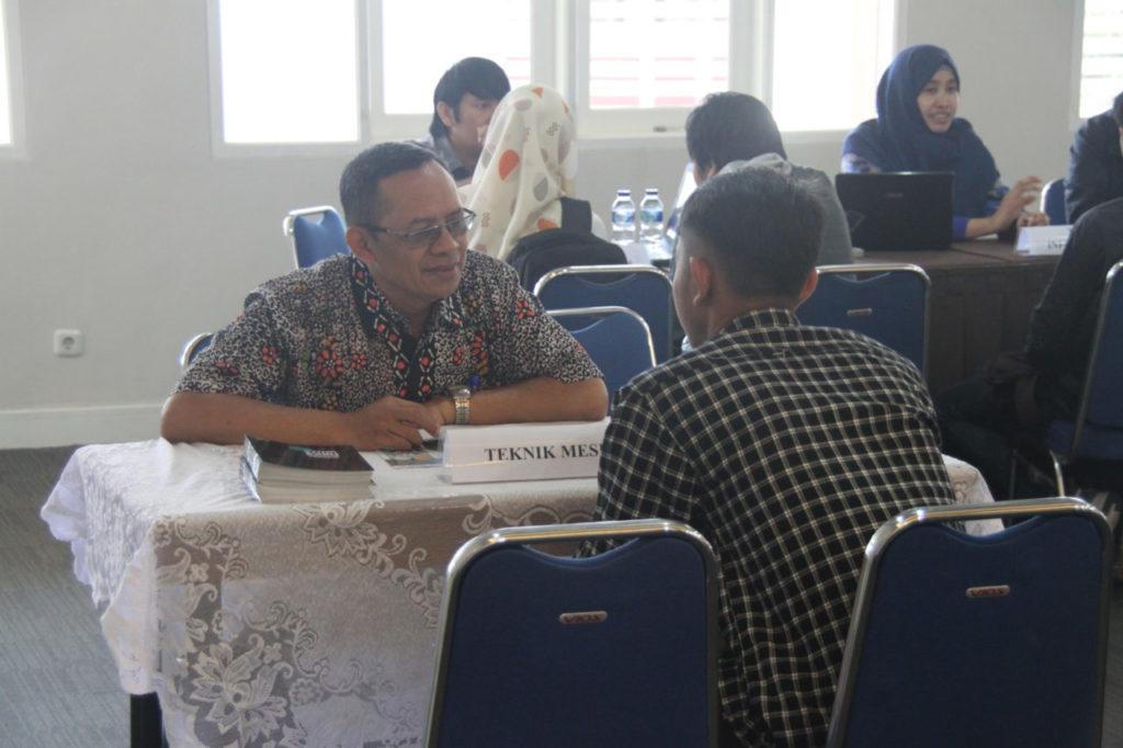 Kerjasama Fakultas Teknik Widyatama dan PT. Dirgantara Indonesia 1 1024x682 - Fakultas Teknik Jalin Kerjasama dengan PT. Dirgantara Indonesia dan Asosiasi IAKI