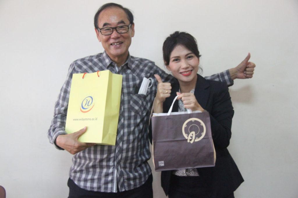 IMG 4425 1024x682 - Program Studi S1 Bahasa Jepang Widyatama mengadakan  kerja sama Exchange Cultural Activity dengan Watanabe Shouji Holding Company dan Wata Sunrise Indonesia.