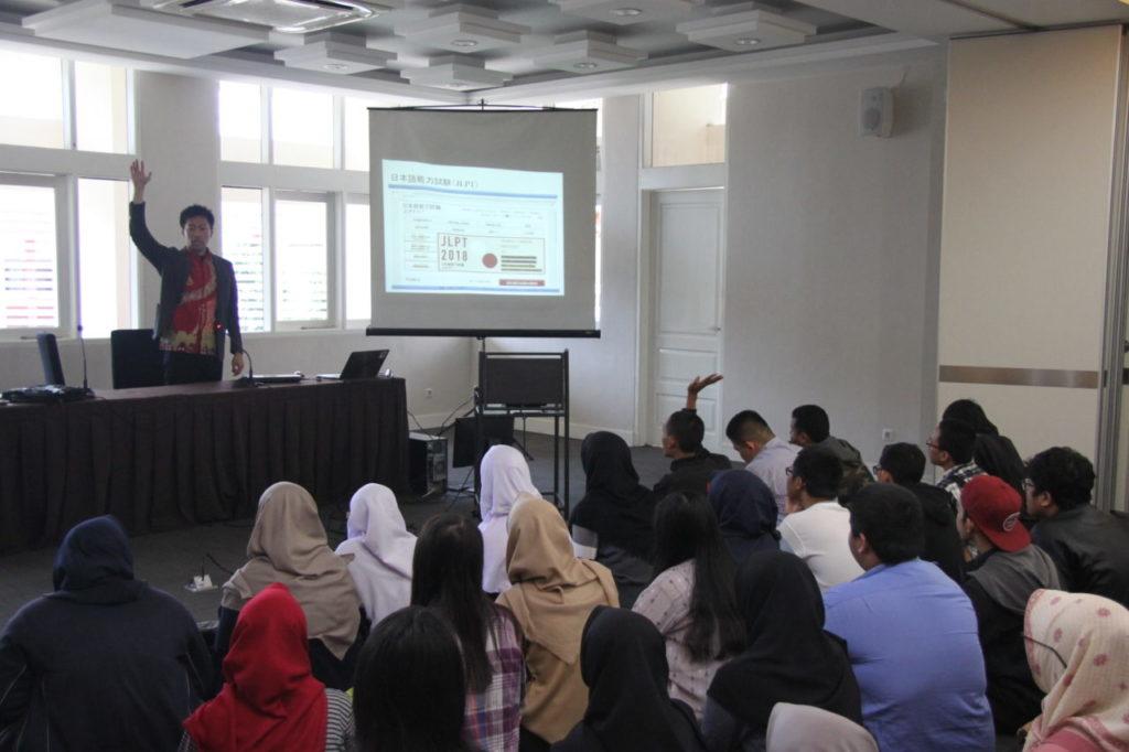 IMG 6640 1024x682 - Program Studi Bahasa Jepang Widyatama Selenggarakan Workshop Peluang Meraih Beasiswa Studi di Jepang