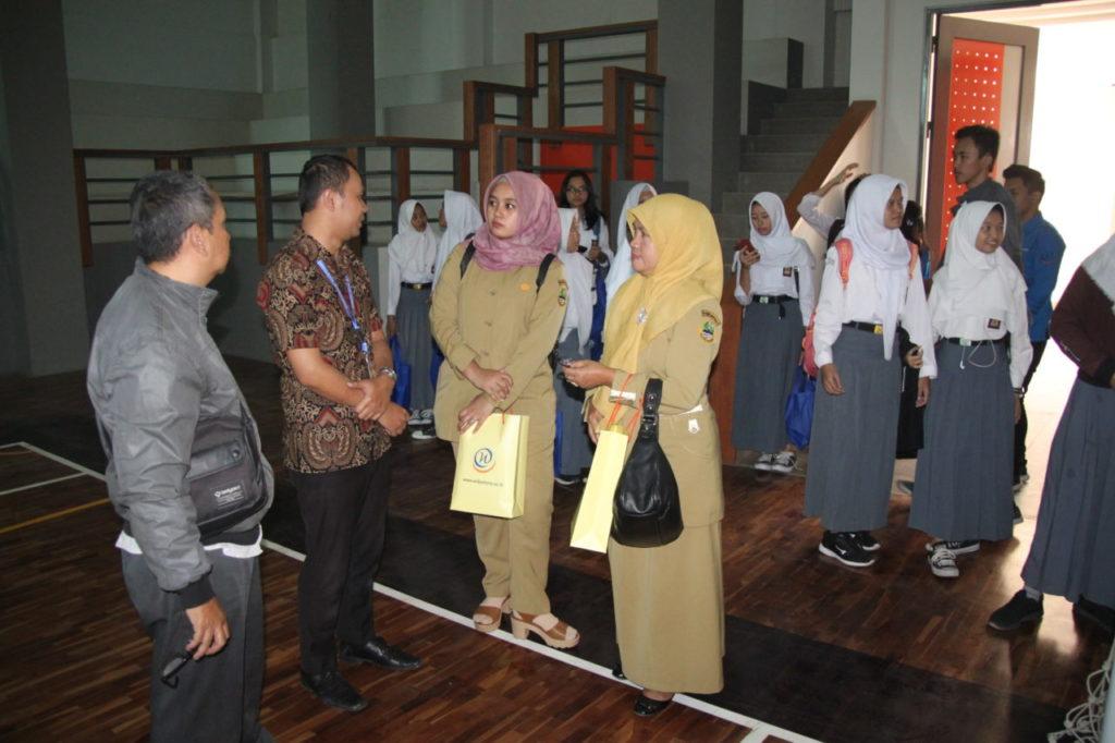 IMG 6855 1024x682 - Universitas Widyatama Menerima Kunjungan Studi Banding Kewirausahaan dari SMAN 1 Soreang
