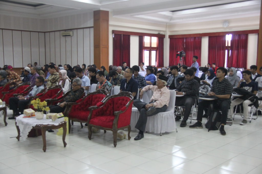 IMG 0404 1024x682 - Sarasehan Fakultas Teknik Universitas Widyatama & Penandatanganan MoU Dengan Berbagai Industri