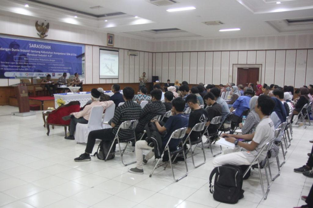 IMG 0407 1024x682 - Sarasehan Fakultas Teknik Universitas Widyatama & Penandatanganan MoU Dengan Berbagai Industri