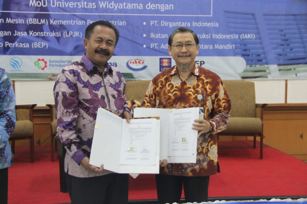 MOU 4 1024x682 - Sarasehan Fakultas Teknik Universitas Widyatama & Penandatanganan MoU Dengan Berbagai Industri