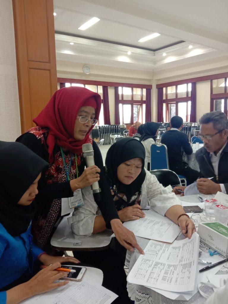 Program Pengabdian Kepada Masyarakat Dosen Fakultas Bisnis Manajemen