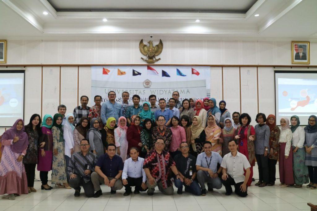Workshop Pembelajaran Berbasis IT Fakultas Bisnis dan Manajemen
