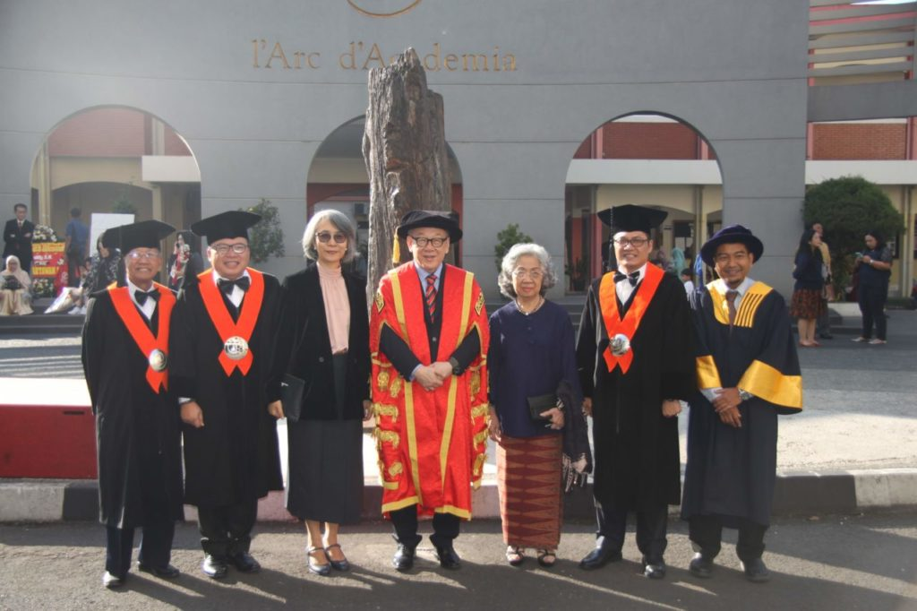 IMG 3995 1024x682 - Universitas Widyatama Wisuda 996 Lulusan Jenjang Diploma sampai Magister
