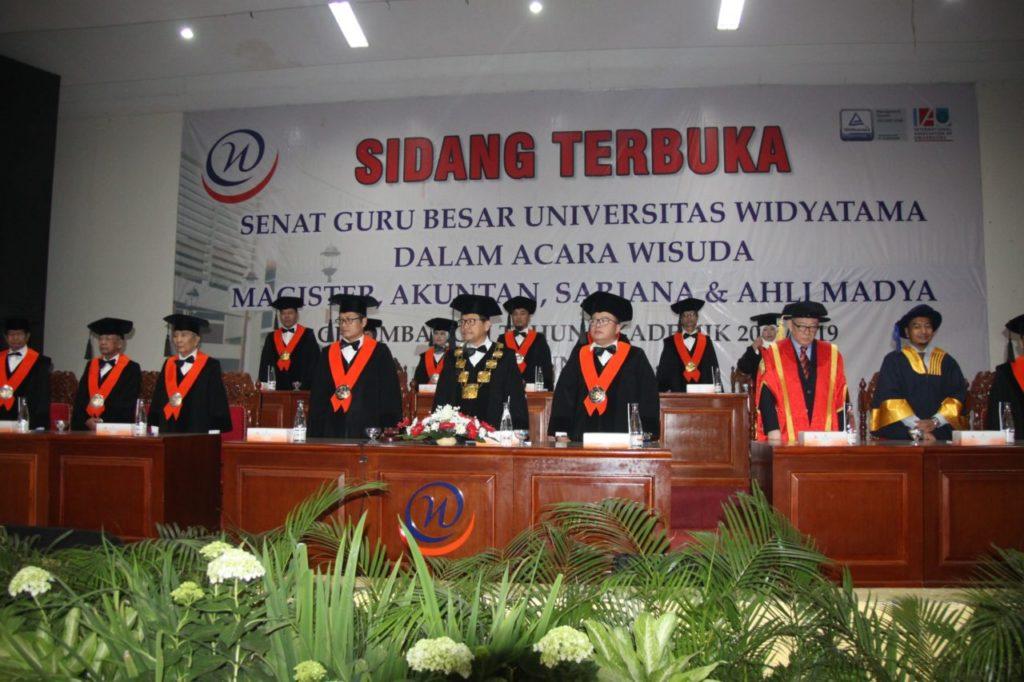 Universitas Widyatama Wisuda 996 Lulusan Jenjang Diploma sampai Magister