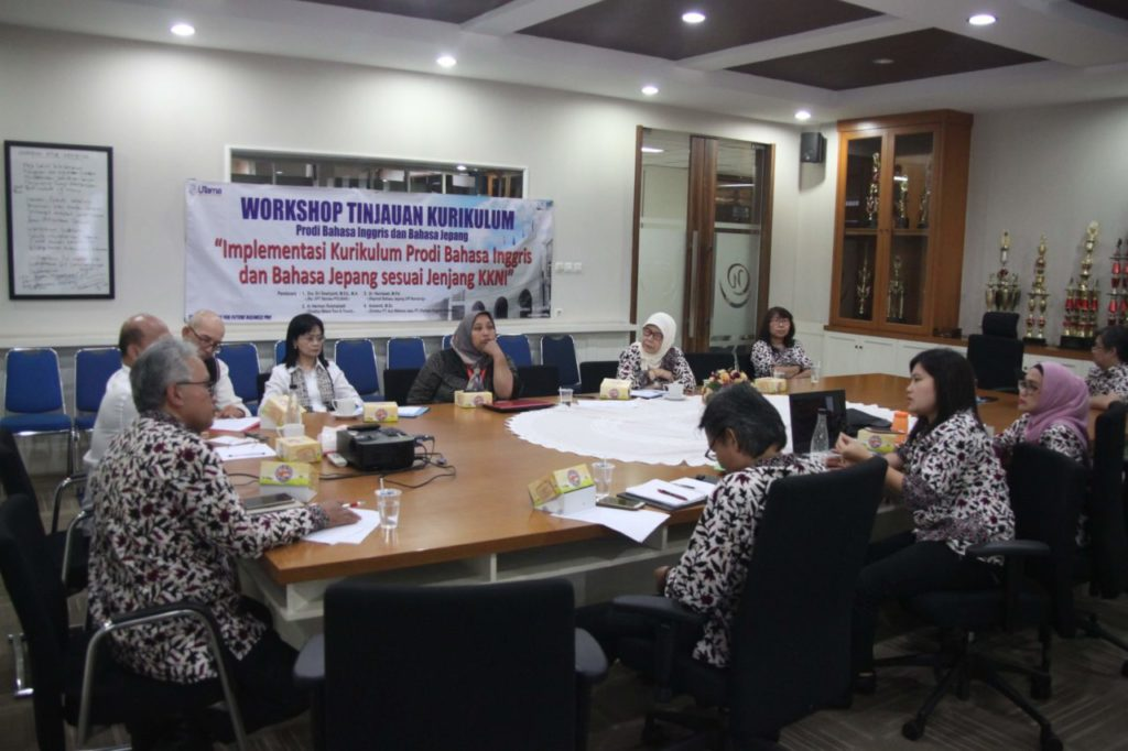 Workshop Tinjauan Kurikulum Fakultas Bahasa Widyatama