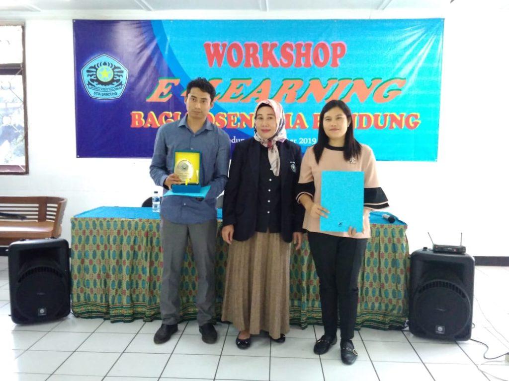 E learning14 1024x768 - Dosen Universitas Widyatama memberikan pelatihan E-learning di STIA Bandung