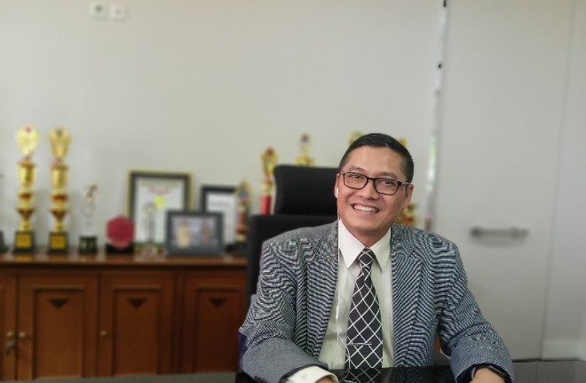 Prof Obi Rektor Widyatama Bandung pusat karir 660x495 - Widyatama University Becomes a Model of Career Centers for Indonesian Colleges