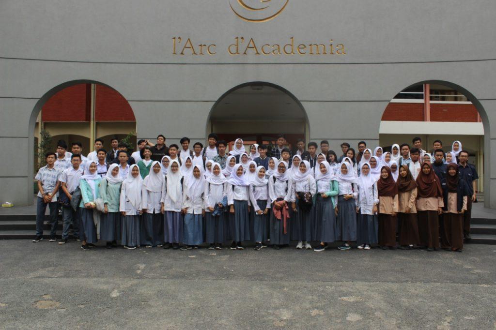 WhatsApp Image 2019 11 06 at 19.34.30 6 1024x682 - Sosialisasi Universitas Widyatama Salah Satu Kampus Terbaik Di Indonesia