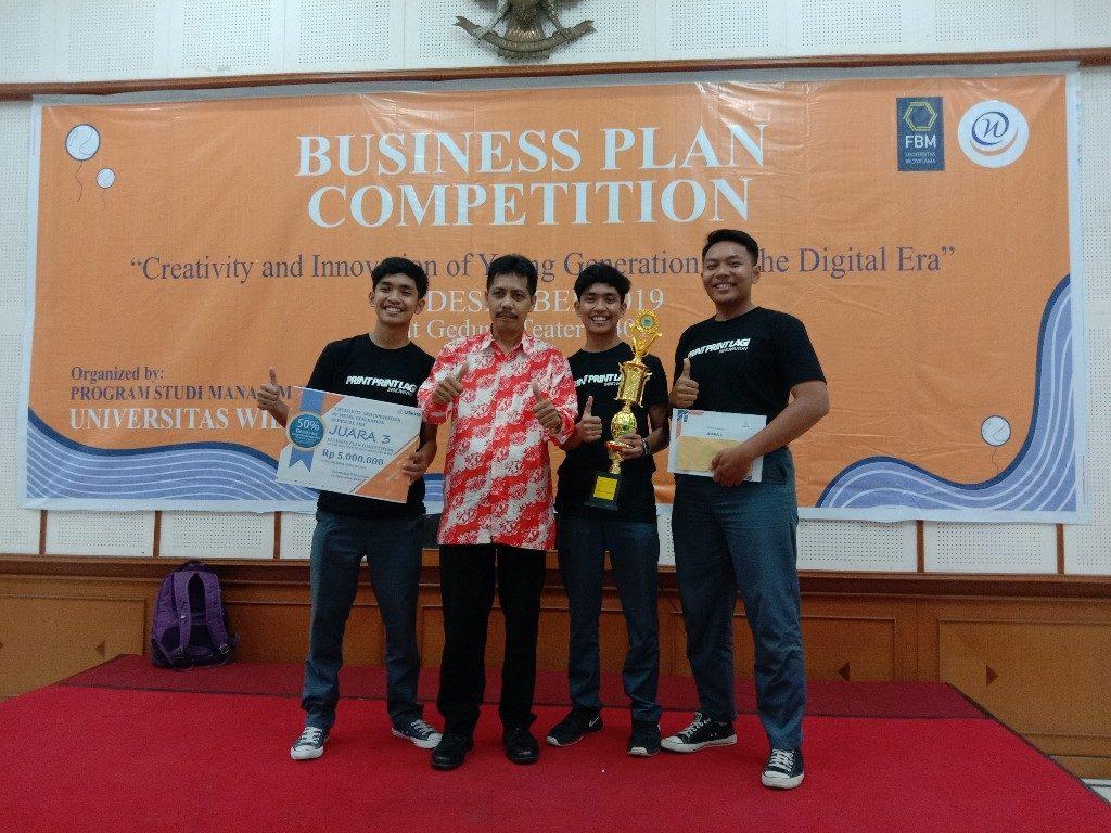 Business Plan Competition Widyatama 2 1024x768 1024x768 - SMAN 1 Cisarua, West Bandung Regency Successfully Won the Business Plan Competition at Widyatama University