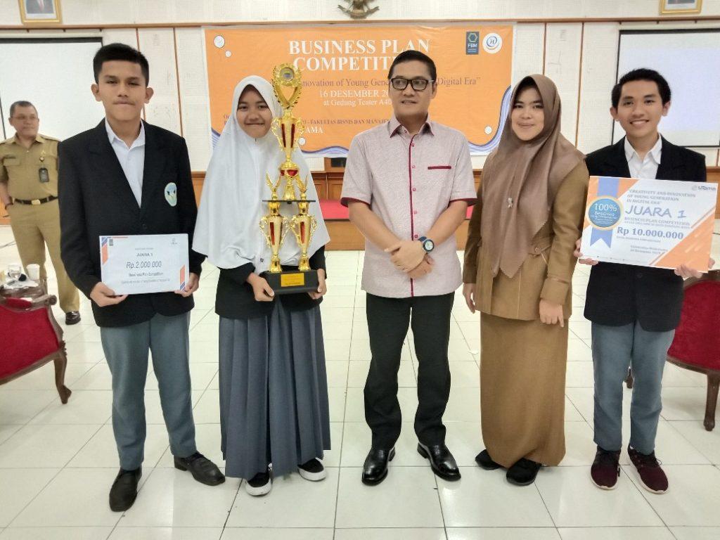Business Plan Competition Widyatama 4 1040x780 1024x768 - SMAN 1 Cisarua, West Bandung Regency Successfully Won the Business Plan Competition at Widyatama University