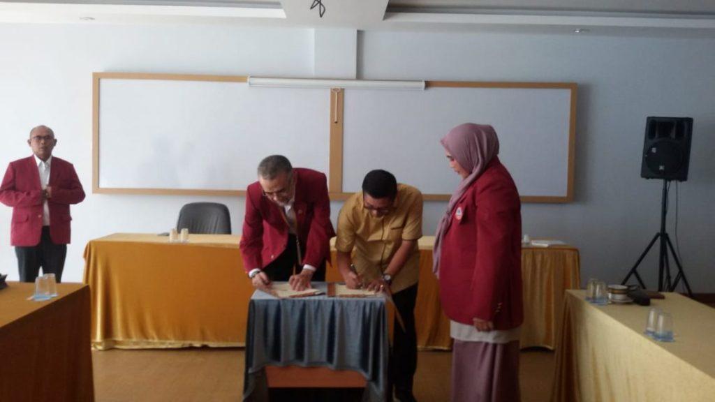 MoU Sangga Buana Dan Universitas Widyatama 2 1140x641 1024x576 - USB YPKP Collaborated with Prof. Obi Rector Widyatama to Fasten Publishing International Journal