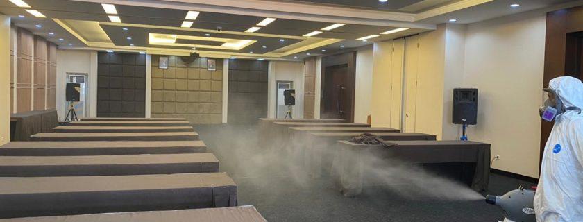 Antisipasi COVID-19 Universitas Widyatama Melakukan Penyemprotan Desinfektan Di Kampusnya