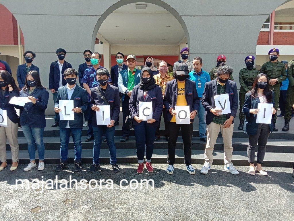 Salah Satu Bentuk Pengabdian Kepada Masyarakat Universitas Widyatama Membagikan Ribuan Masker