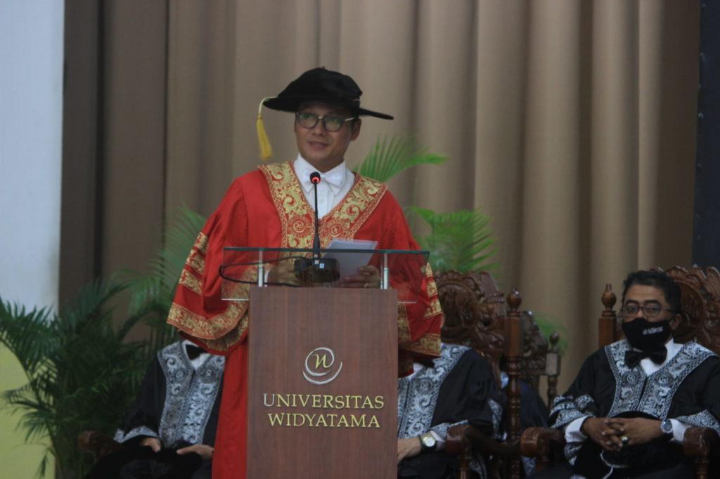 2 1024x682 - Atalia Istri Gubernur Jabar Jadi Dosen Universitas Widyatama, UTama Selangkah Lebih Maju Dari Universitas Lainnya
