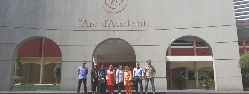 Melalui Pelatihan Dari Dosen Fakultas Ekonomi & Bisnis UTama Para UKM Dilatih Meningkatkan Peluang & Untung Di Tengah Pandemi