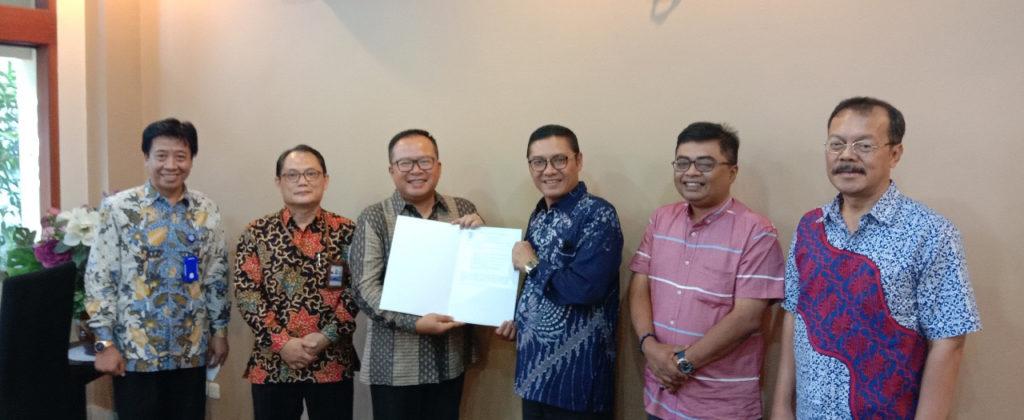 """IMG 20201002 205810 1024x420 - Dedikasi Haizam Profesor Dari """"Negeri Jiran"""" Malaysia Menjadikan Universitas Widyatama Kampus Riset Ternama"""