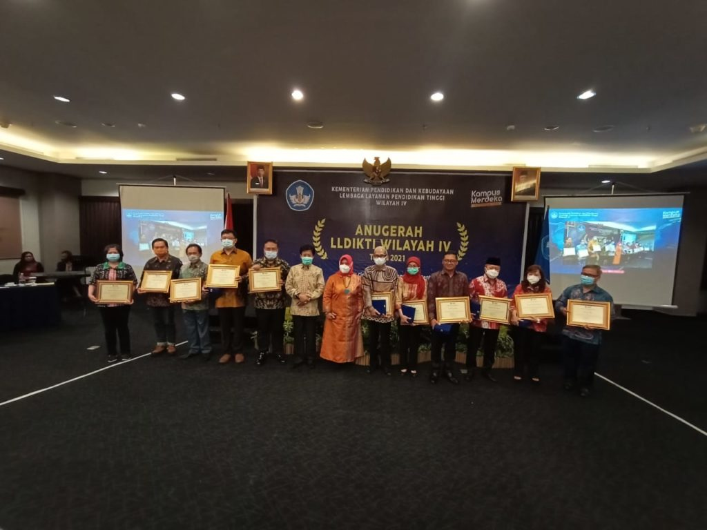 WhatsApp Image 2021 02 18 at 08.33.15 1024x768 - Berkat Kerja Keras Universitas Widyatama Kembali Menyabet Penghargaan Kampus Ternama