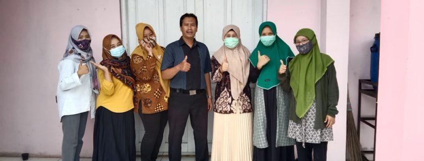 Prodi Perpustakaan & Sains Informasi Universitas Widyatama Melakukan Workshop Pengembangan Koleksi Perpustakaan Di SMK Harapan 2 Rancaekek