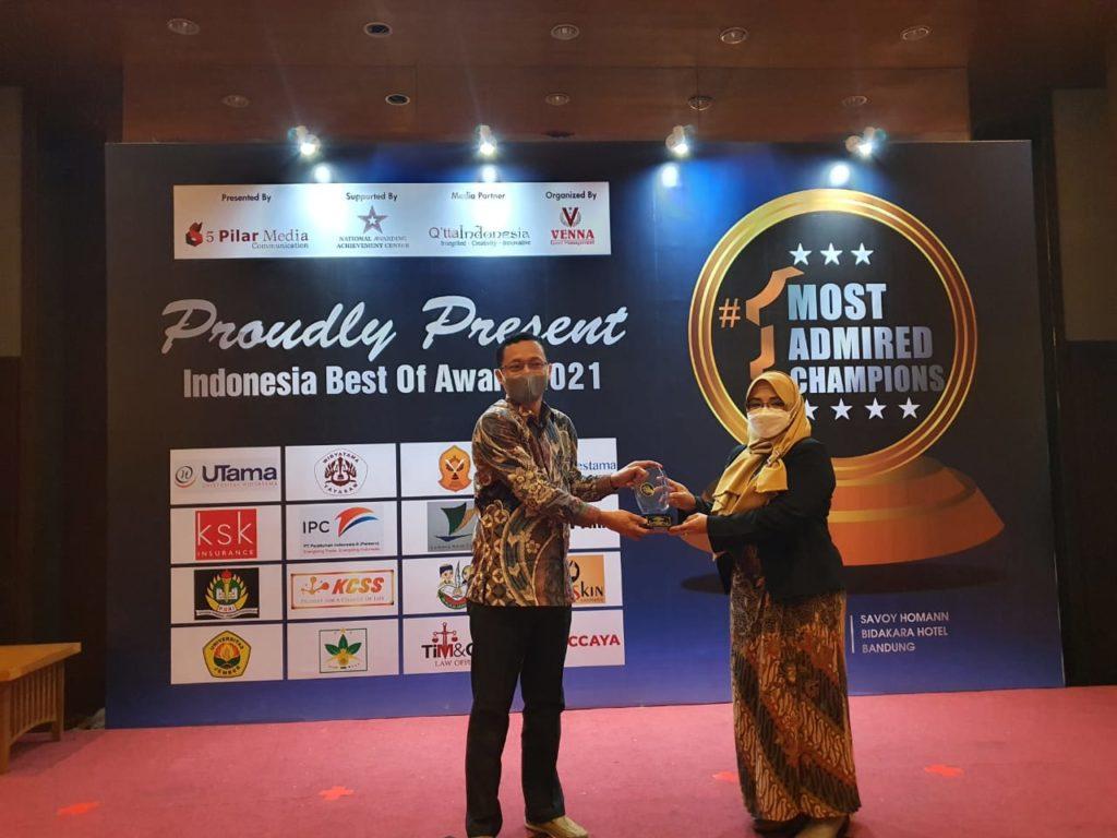 "WhatsApp Image 2021 04 26 at 09.55.43 1 1 1024x768 - Dinilai Banyak Melakukan Inovasi Rektor dan Ketua Yayasan Widyatama Diberi Penghargaan ""Indonesia Most Admired Education 2021"""