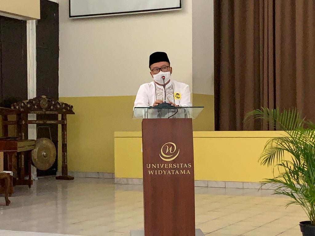 WhatsApp Image 2021 05 07 at 11.00.55 3 - Ungkapan Rasa Syukur Yayasan & Universitas Widyatama Menjelang Lebaran Bagikan 750 Paket Sembako