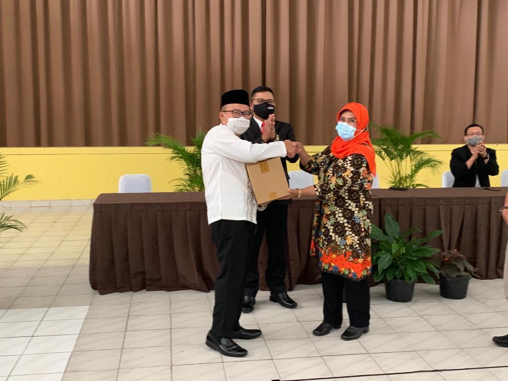 Ungkapan Rasa Syukur Yayasan & Universitas Widyatama Menjelang Lebaran Bagikan 750 Paket Sembako