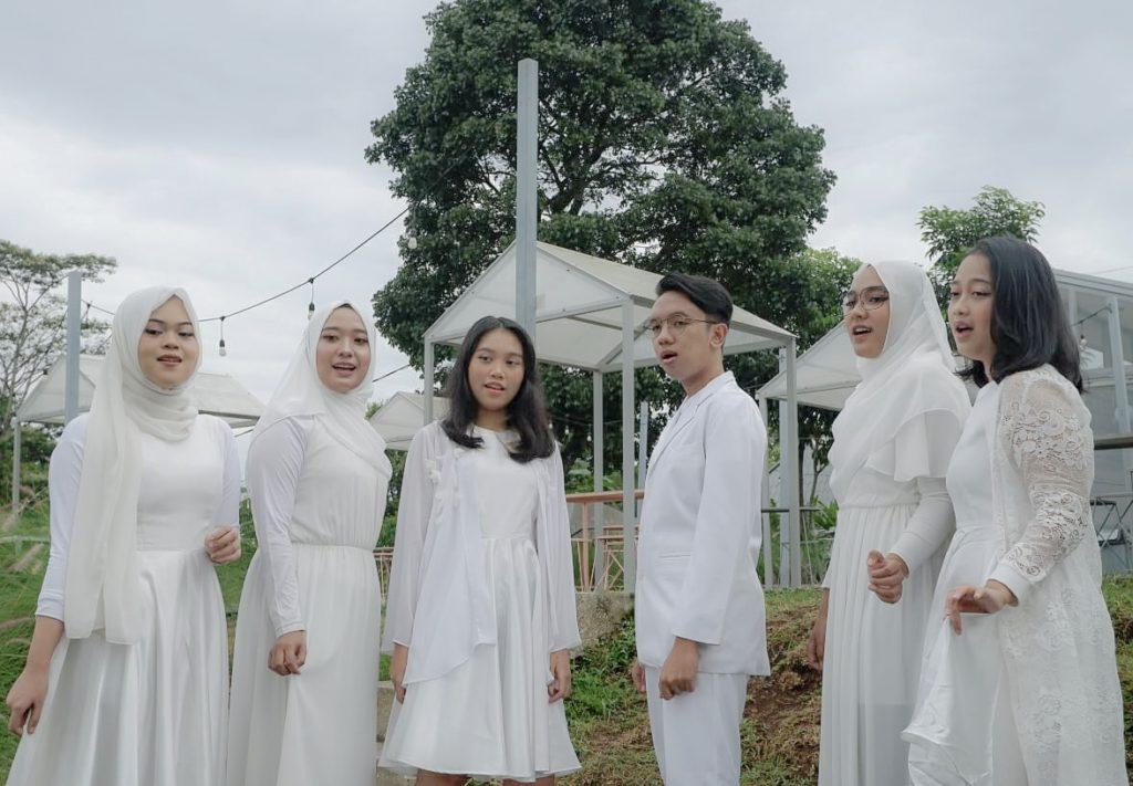"""WhatsApp Image 2021 06 09 at 21.35.06 1024x711 - Vocal Grup Universitas Widyatama Raih Juara Pertama Ajang """"Singing Competition 2021"""" se-Jabar & DKI Jakarta"""