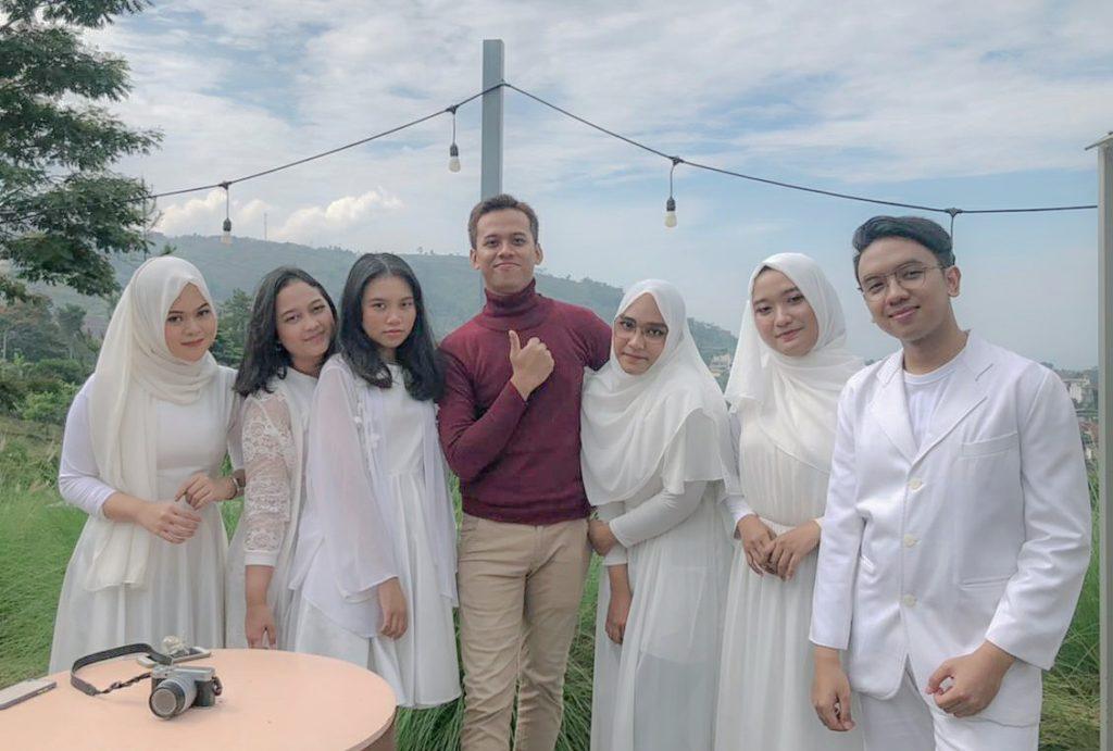 """WhatsApp Image 2021 06 09 at 21.35.07 1024x691 - Vocal Grup Universitas Widyatama Raih Juara Pertama Ajang """"Singing Competition 2021"""" se-Jabar & DKI Jakarta"""