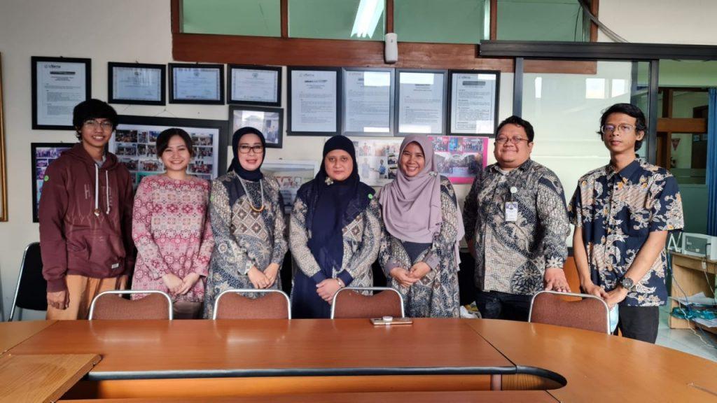 """Prodi Bahasa Jepang UTama Gelar Webinar """"Kiat Sukses JLPT N5"""" Bagi Siswa SMAN 14 Kota Bandung"""